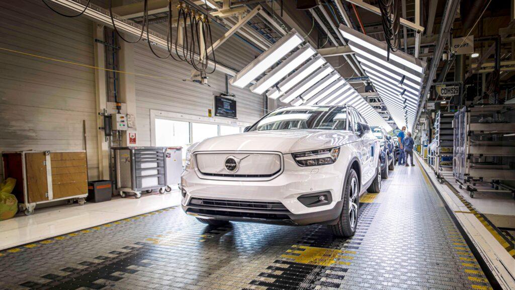 Volvo Cars trzykrotnie zwiększy moc produkcyjną aut elektrycznych