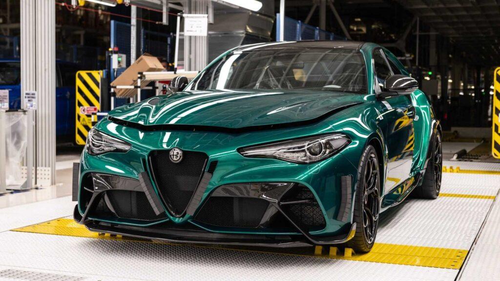 Zobacz jak powstaje nowa Alfa Romeo Giulia GTA za ponad 800 tysięcy