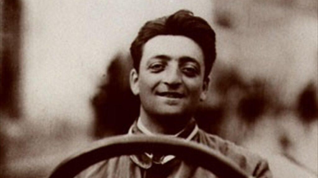 Kiedy urodził się Enzo Ferrari? – 18 czy 20 lutego?