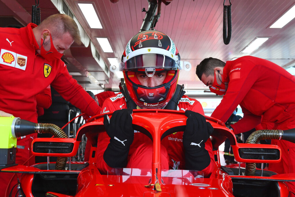 Carlos Sainz pod wrażeniem zachowania kibiców Ferrari podczas testów