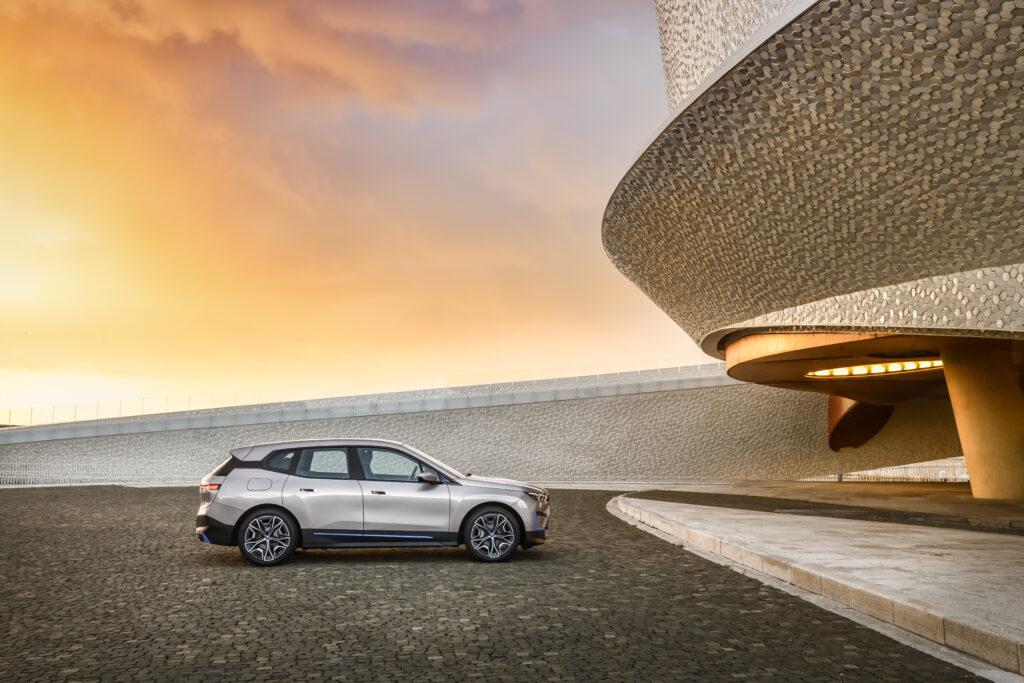 Rozpoczęcie produkcji BMW iX może zostać opóźnione