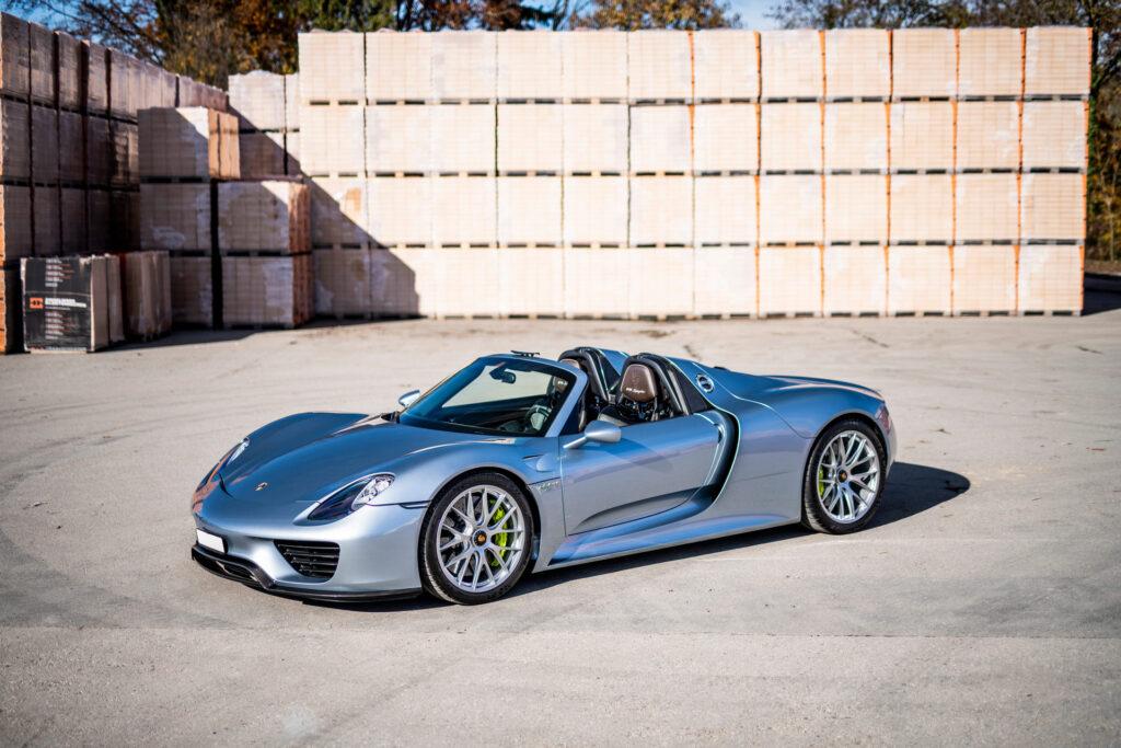 Siedem unikatowych modeli Porsche trafi na aukcję 21 lutego