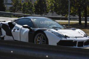 Hybrydowy model Ferrari z silnikiem V6 rozwinie około 700 KM mocy