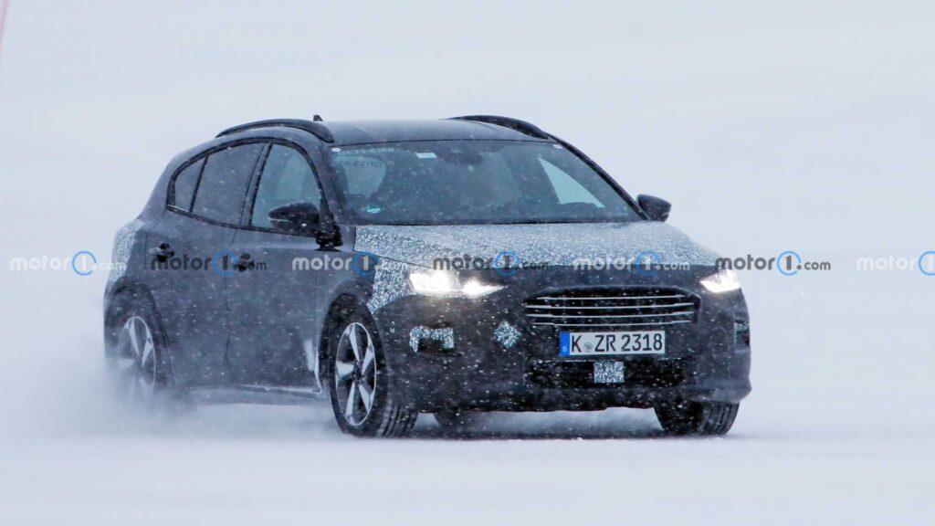 Ford Focus po liftingu intensywnie testowany w zimowych warunkach