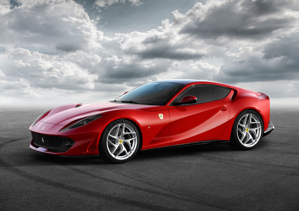 Ferrari 812 w specjalnej sportowej wersji zapowiedziane przez producenta na filmie