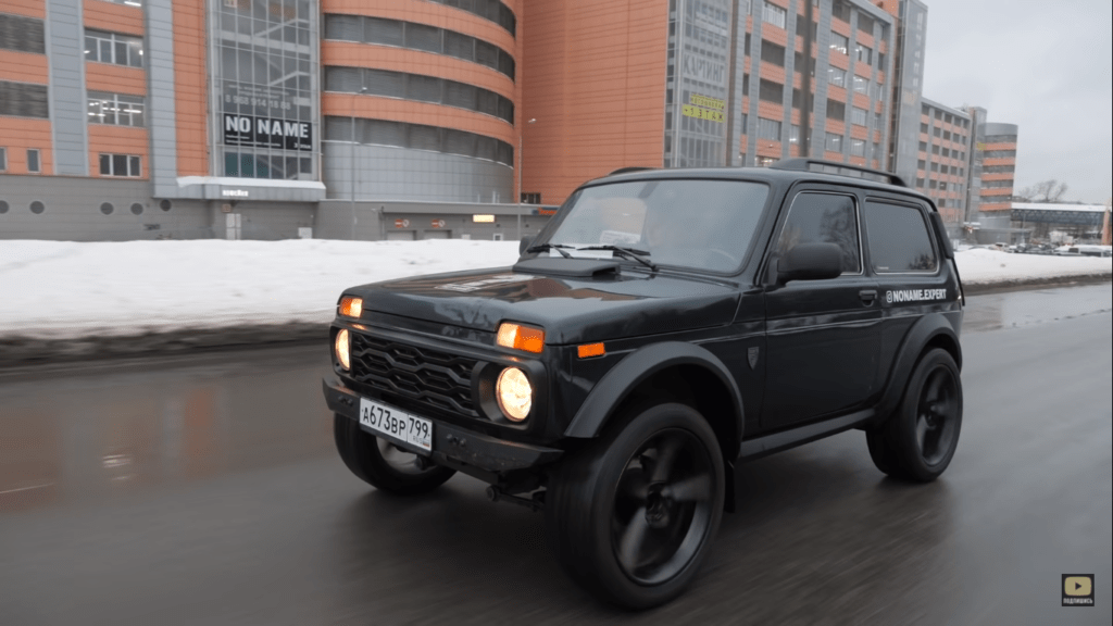Potworek znad Wołgi – Łada Niva Bronto z silnikiem i wnętrzem od BMW