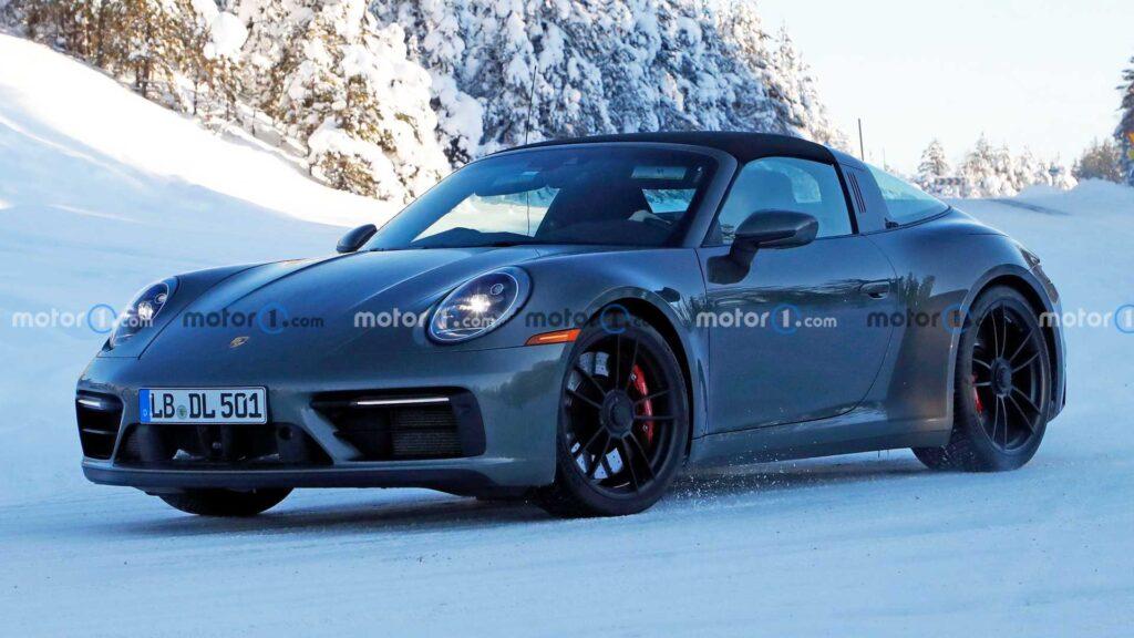 Odświeżone Porsche 911 Targa GTS zauważone bez kamuflażu