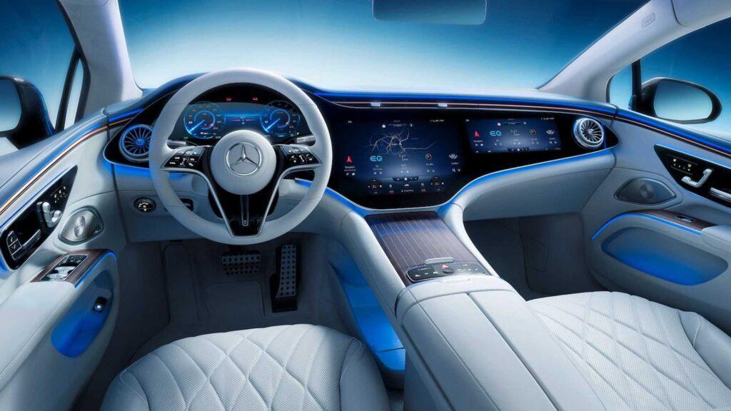 Tak prezentuje się wnętrze nowego Mercedesa EQS – wygląda kosmicznie