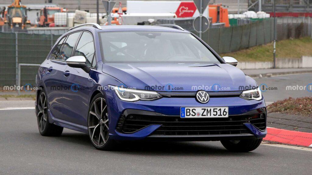 Volkswagen Golf R Variant zauważony bez kamuflażu