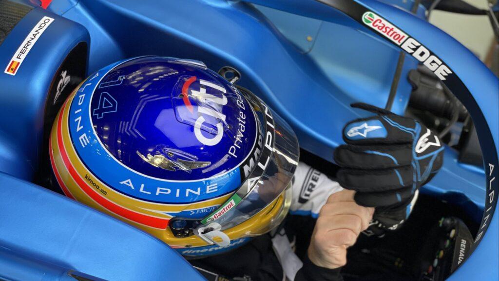 Fernando Alonso gotowy na start sezonu z tytanowymi płytkami w szczęce