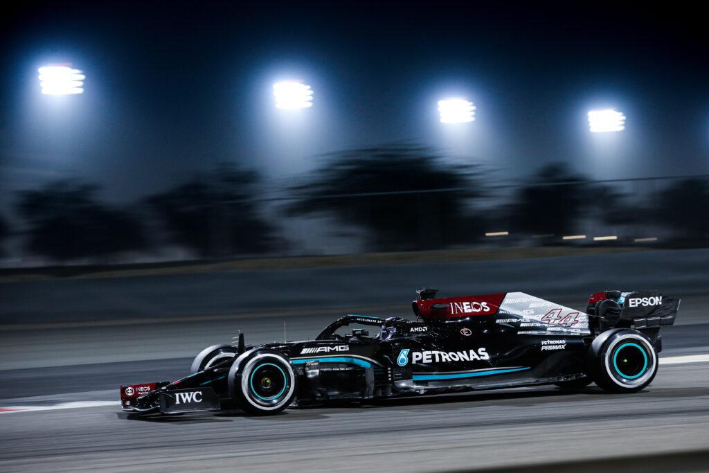 Lewis Hamilton nie martwi się kiepskim startem testów