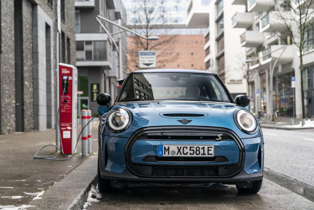 Mini zaprezentuje swoje ostatnie auto z silnikiem spalinowym w 2025 roku
