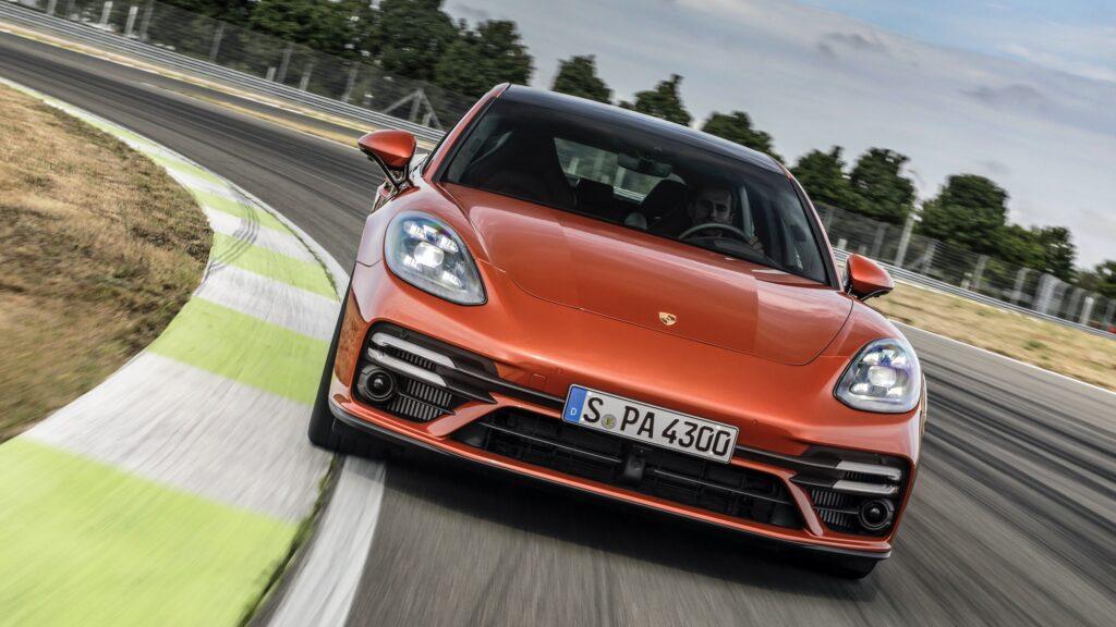 Przedliftowe Porsche Panamera z dużą przeceną! Jest jednak haczyk…