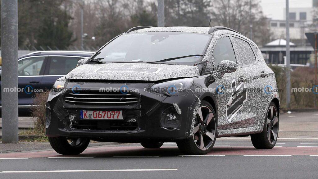 Zmodernizowany Ford Fiesta zauważony podczas testów