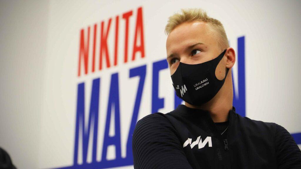 Nikita Mazepin komentuje bliskie spotkanie z Antonio Giovinazzim