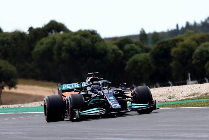 Mercedes zdominował piątkowe treningi na torze w Portimao