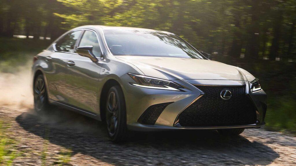 Lexus ES w zmodernizowanej wersji zaprezentowany zostanie 19 kwietnia