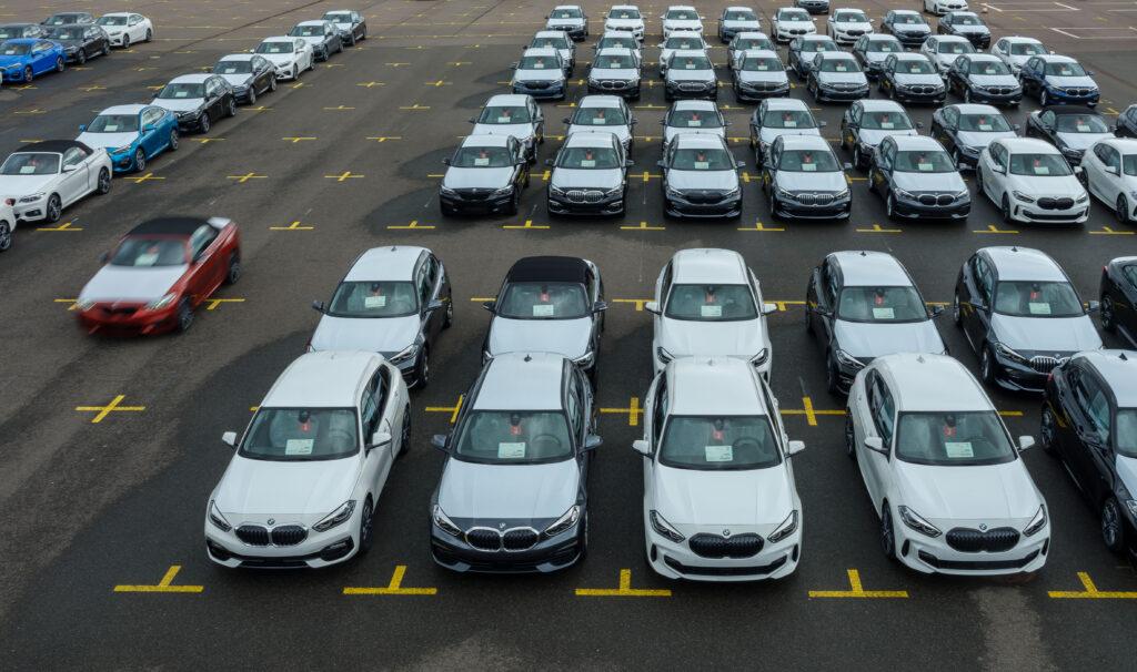 Producenci aut proszą rząd USA o pomoc w zdobyciu układów scalonych