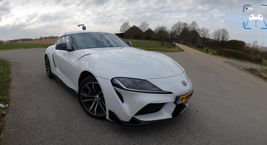 Toyota Supra w odmianie z dwulitrową benzyną dobrze sprawdza się na niemieckiej autostradzie
