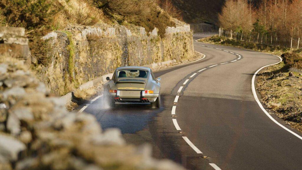 Porsche 911 (964) odnowione i zmodyfikowane przez firmę Theon Design