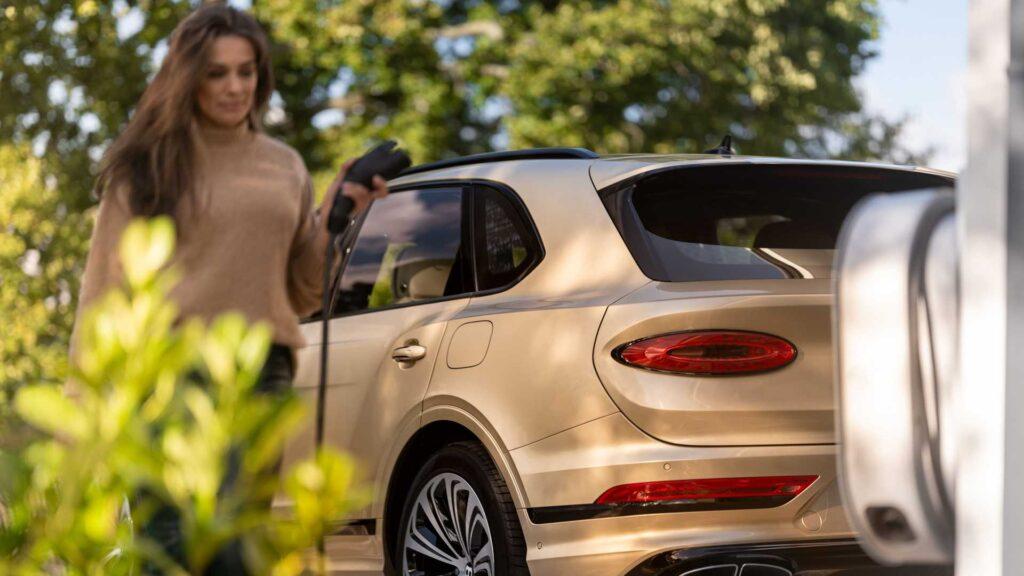 Pierwszy elektryczny samochód firmy Bentley zapowiedziany na 2025 rok