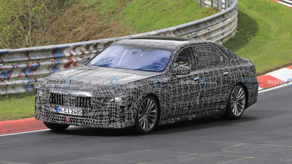 Nowe BMW serii 7 zauważone na torze Nurburgring – nowa stylistyka?