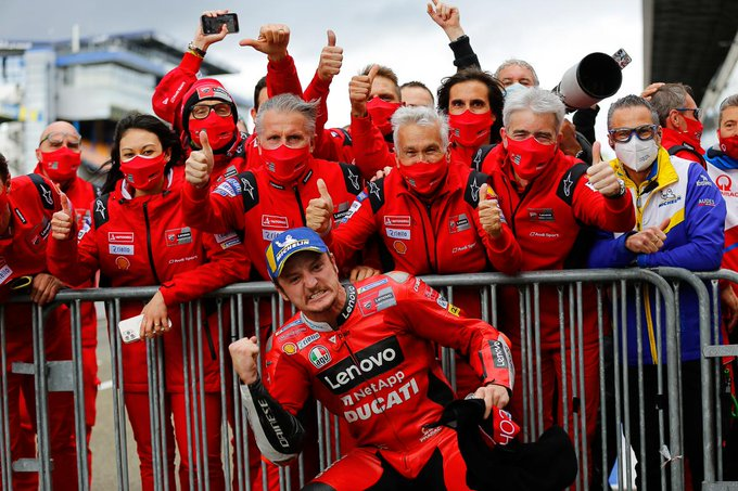 Jack Miller zostaje na dłużej z ekipą Ducati Lenovo Team