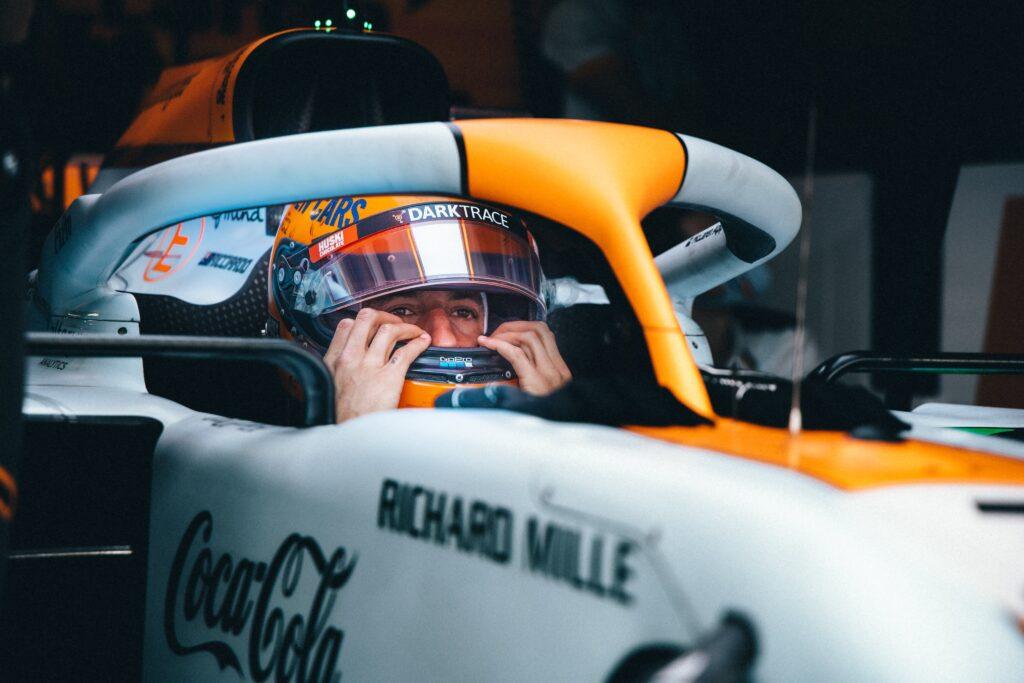 """,,Specjalny styl jazdy"""" McLarena nienaturalny dla Ricciardo zdaniem Seidla"""