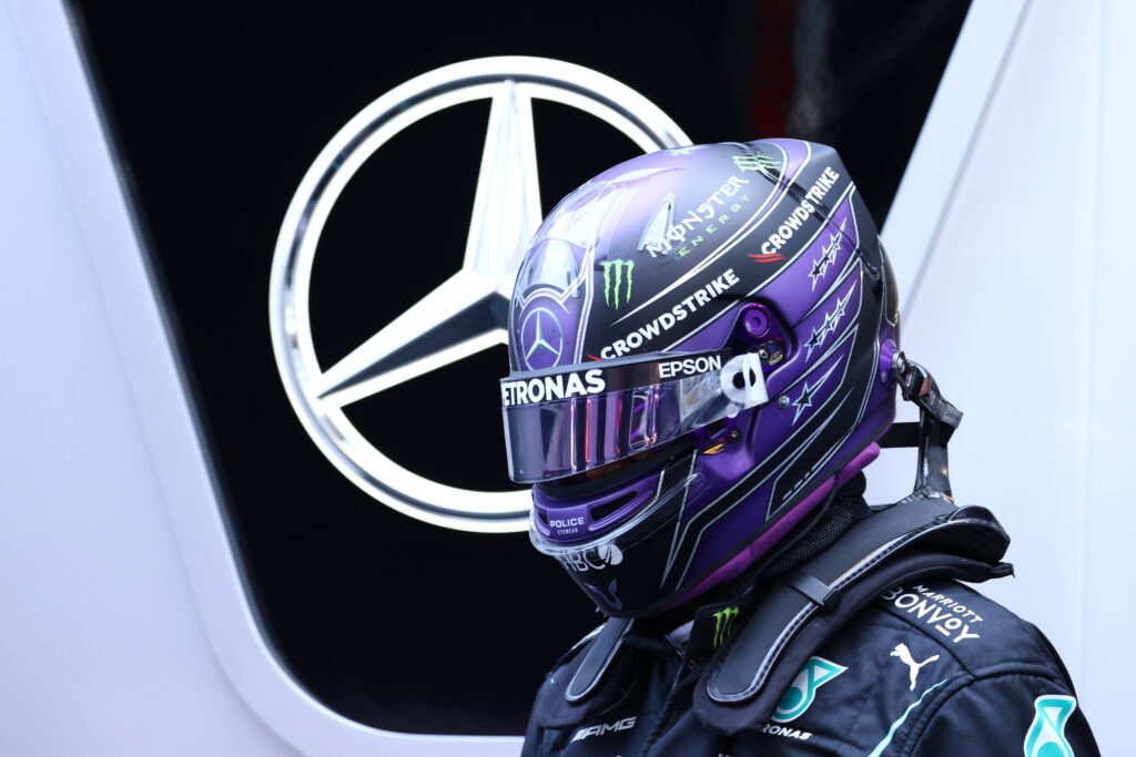 Lewis Hamilton zdobywa swoje 100. Pole Position przed GP Hiszpanii