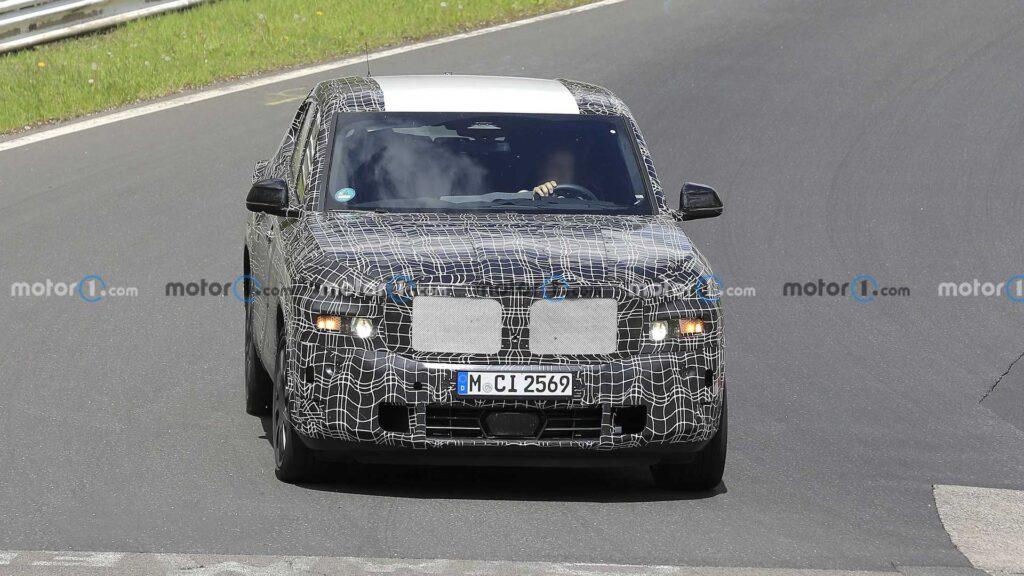 BMW X8 w wersji hybrydowej zauważone podczas testów na Nurburgring