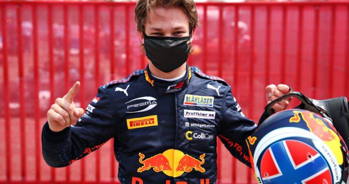 Dennis Hauger dominuje w ostatnim wyścigu F3 w Barcelonie