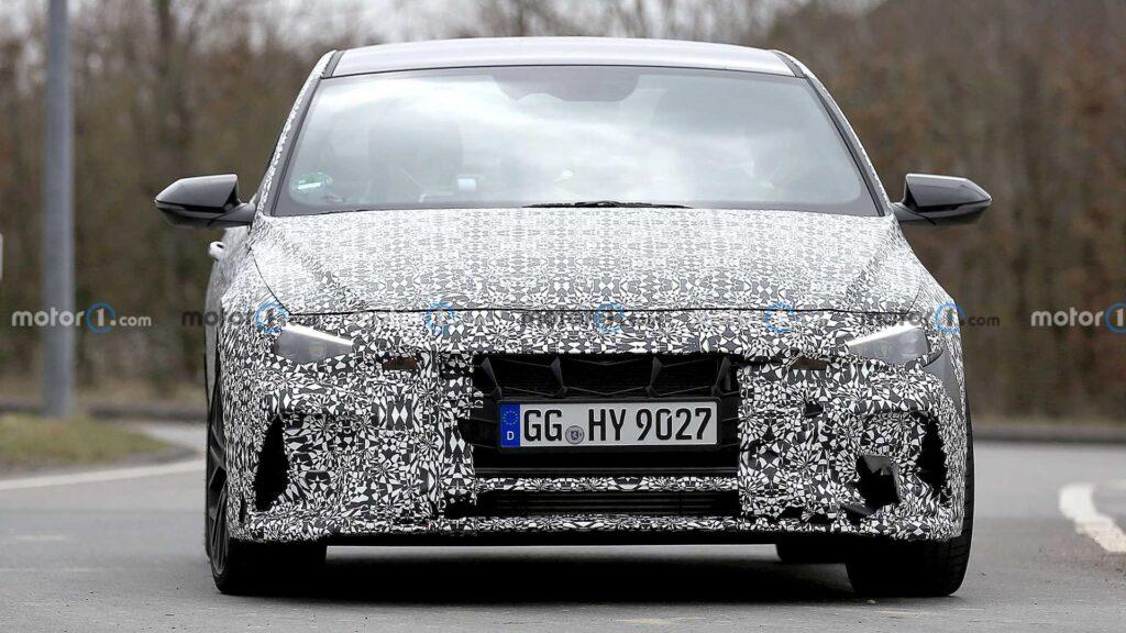 Hyundai Elantra N zauważony podczas testów na Nordschleife