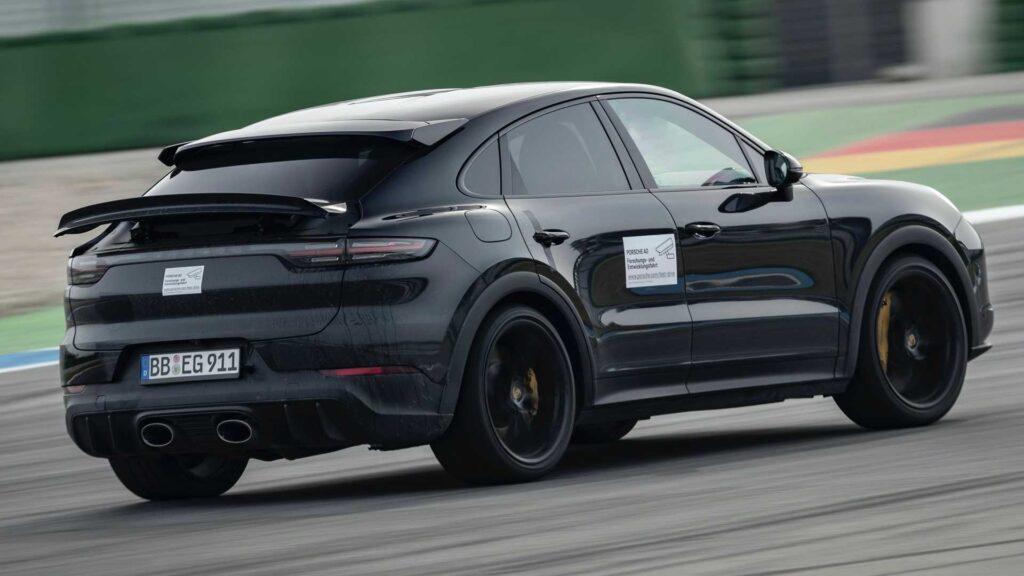 Nowa wersja Porsche Cayenne Coupe nadjedzie z mocą 640 koni mechanicznych
