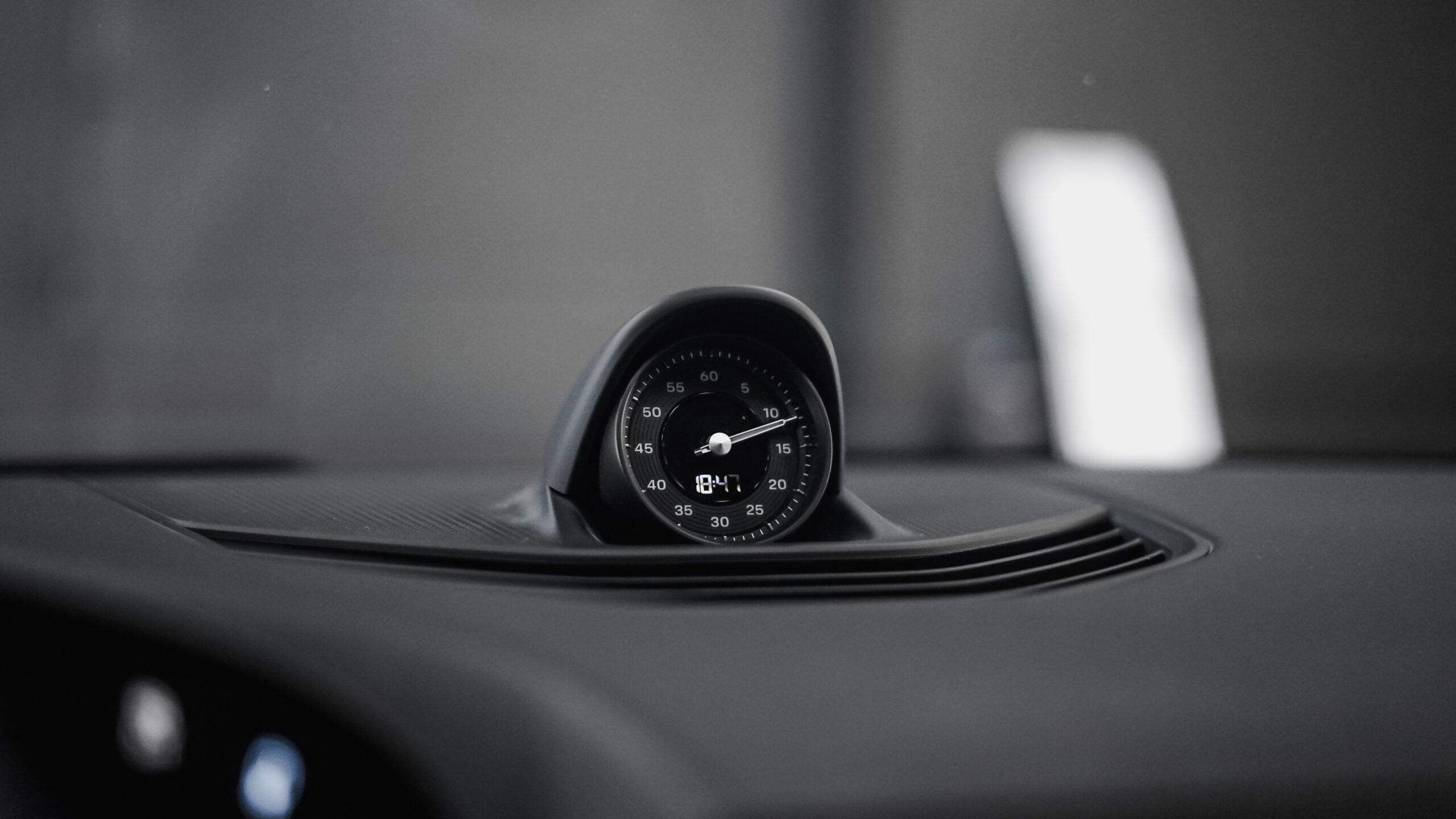 Porsche clock