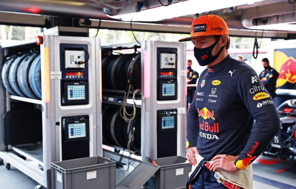 """Max Verstappen: """"Pirelli zapewne zrzuci całą winę na odłamki"""""""