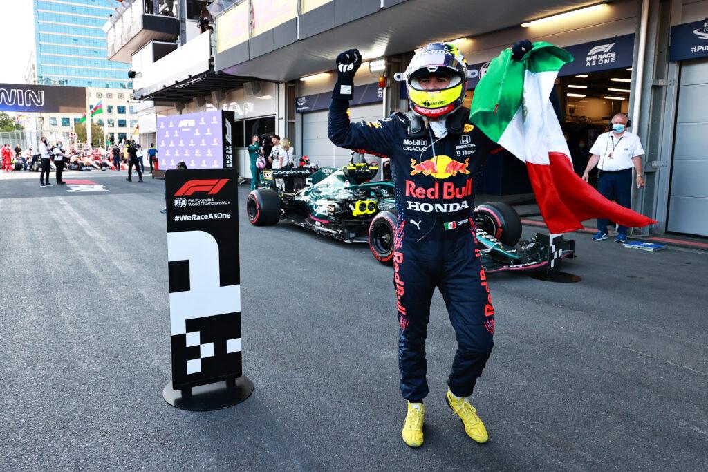 Sergio Perez wygrywa w Baku w dramatycznych okolicznościach!
