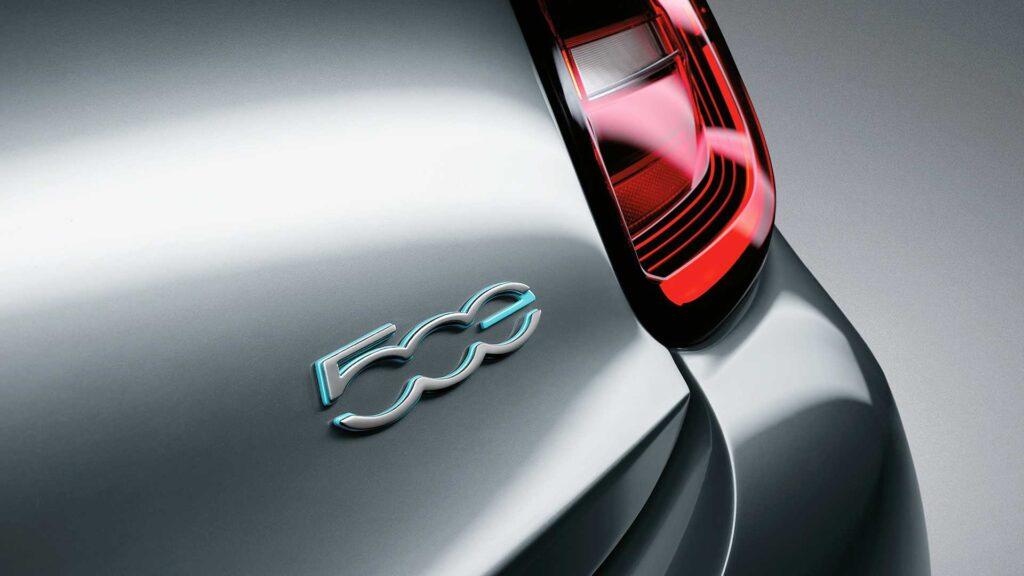 Fiat przejdzie na produkcję aut w pełni elektrycznych do 2030 roku – pierwszym jest 500e