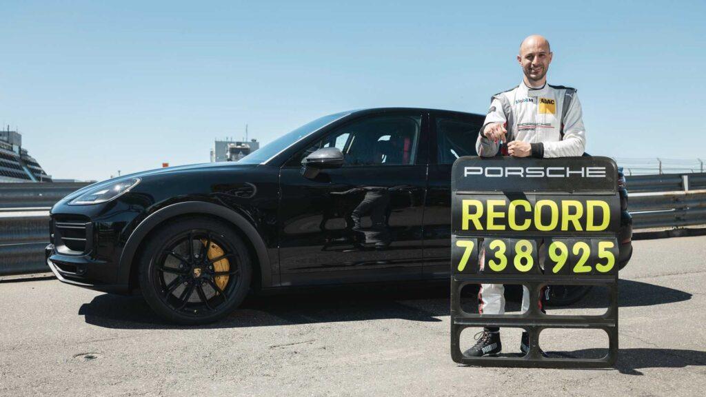 Porsche nową wersją Cayenne pobiło rekord czasu SUV'a na Nurburgringu