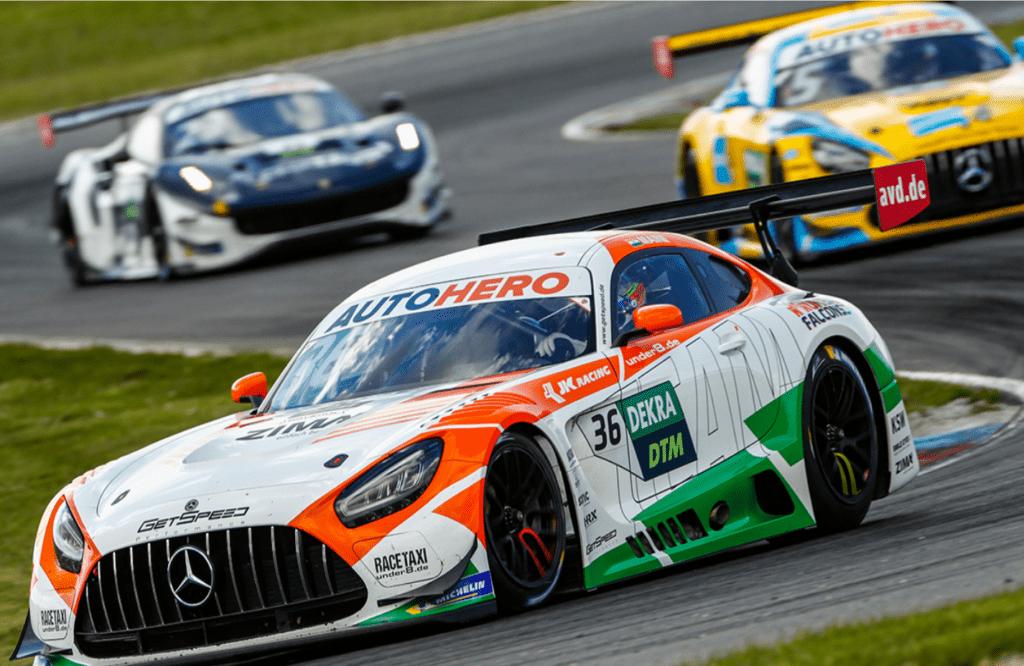 Arjun Maini i S. van der Linde najszybsi w treningach na Lausitzringu