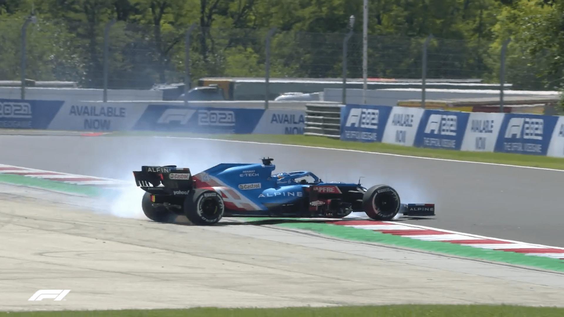 Fernando Alonso obraca się w trakcie FP1 przed Grand Prix Węgier