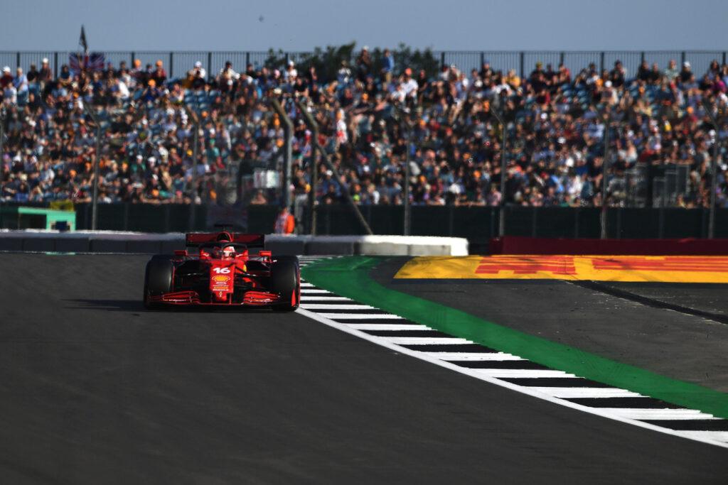 Charles Leclerc zaniepokojony kolejnymi problemami z oponami w Ferrari