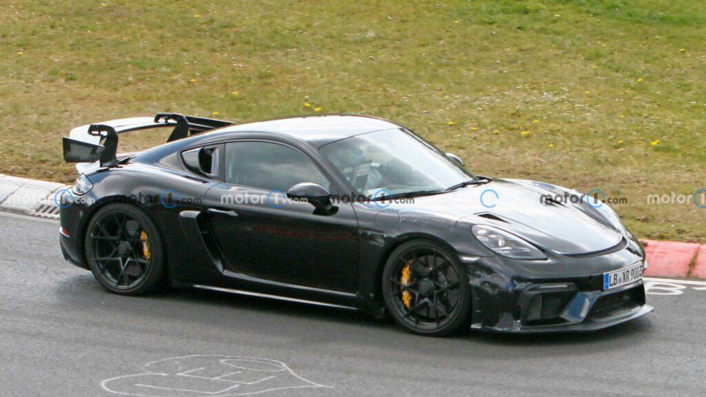 Porsche 718 Cayman GT4 RS zauważone podczas testów na torze
