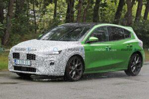 Ford Focus ST zauważony z kamuflażem podczas testów