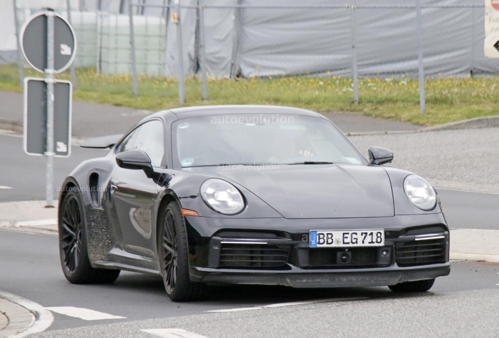 2023 Porsche 911 Turbo Hybrid