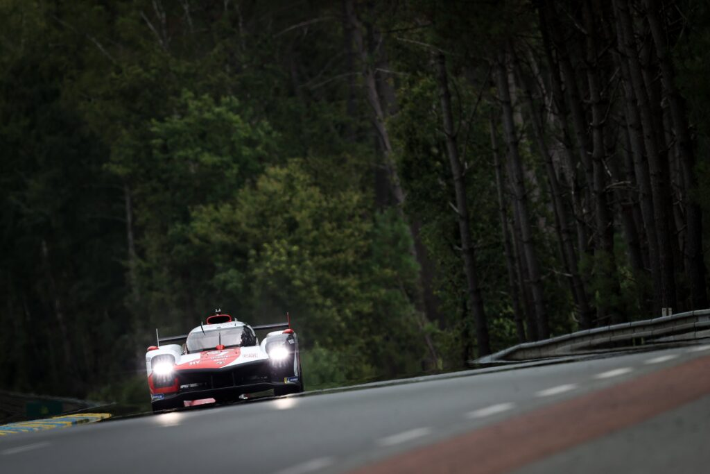 Toyota Gazoo Racing #7 z Pole Position przed 24h Le Mans