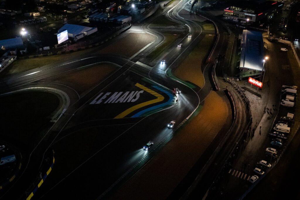 Noc w 24h Le Mans – zaskakujący spokój, WRT #41 wraca na czoło LMP2