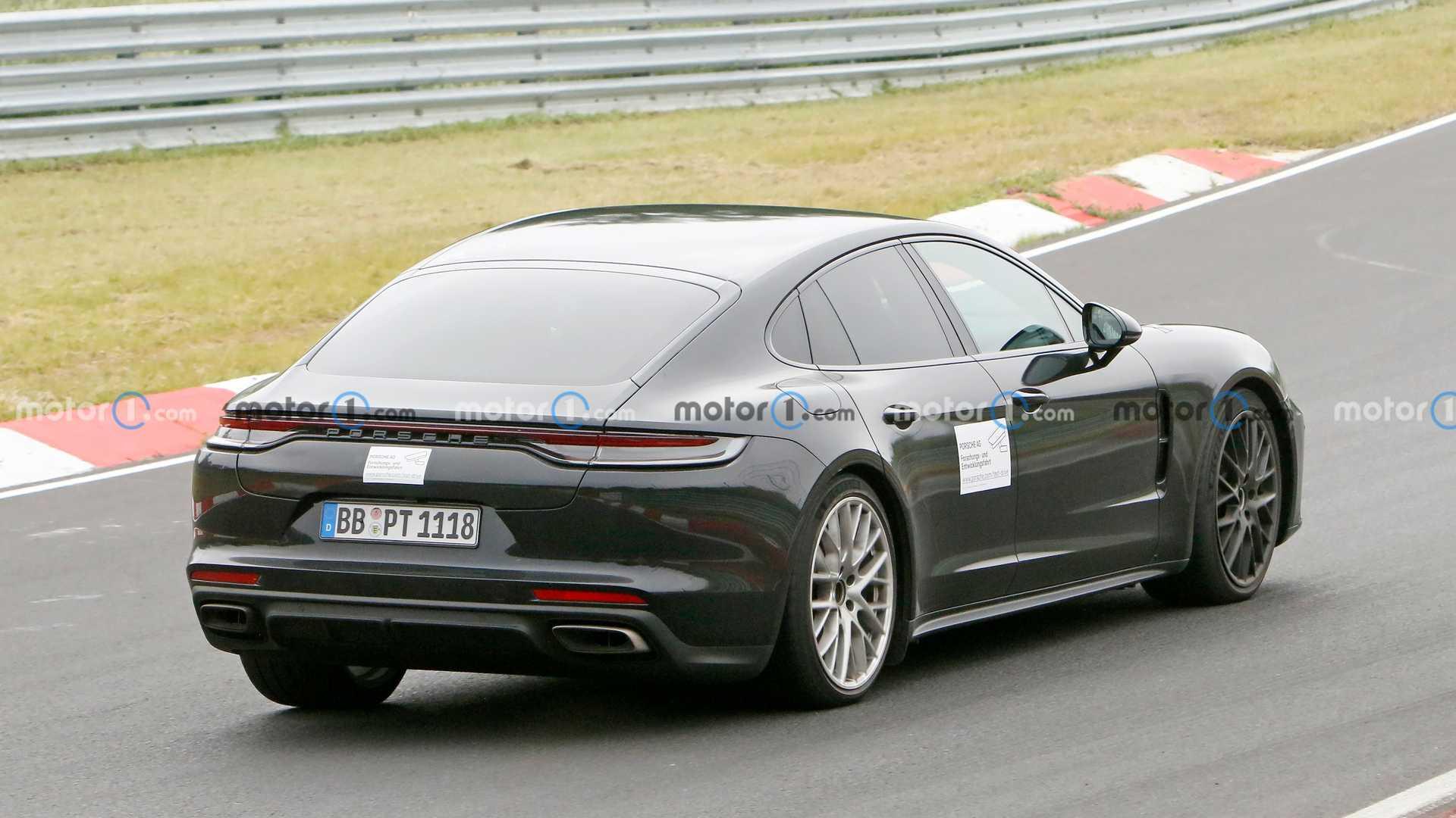 Poliftowe Porsche Panamera Turbo