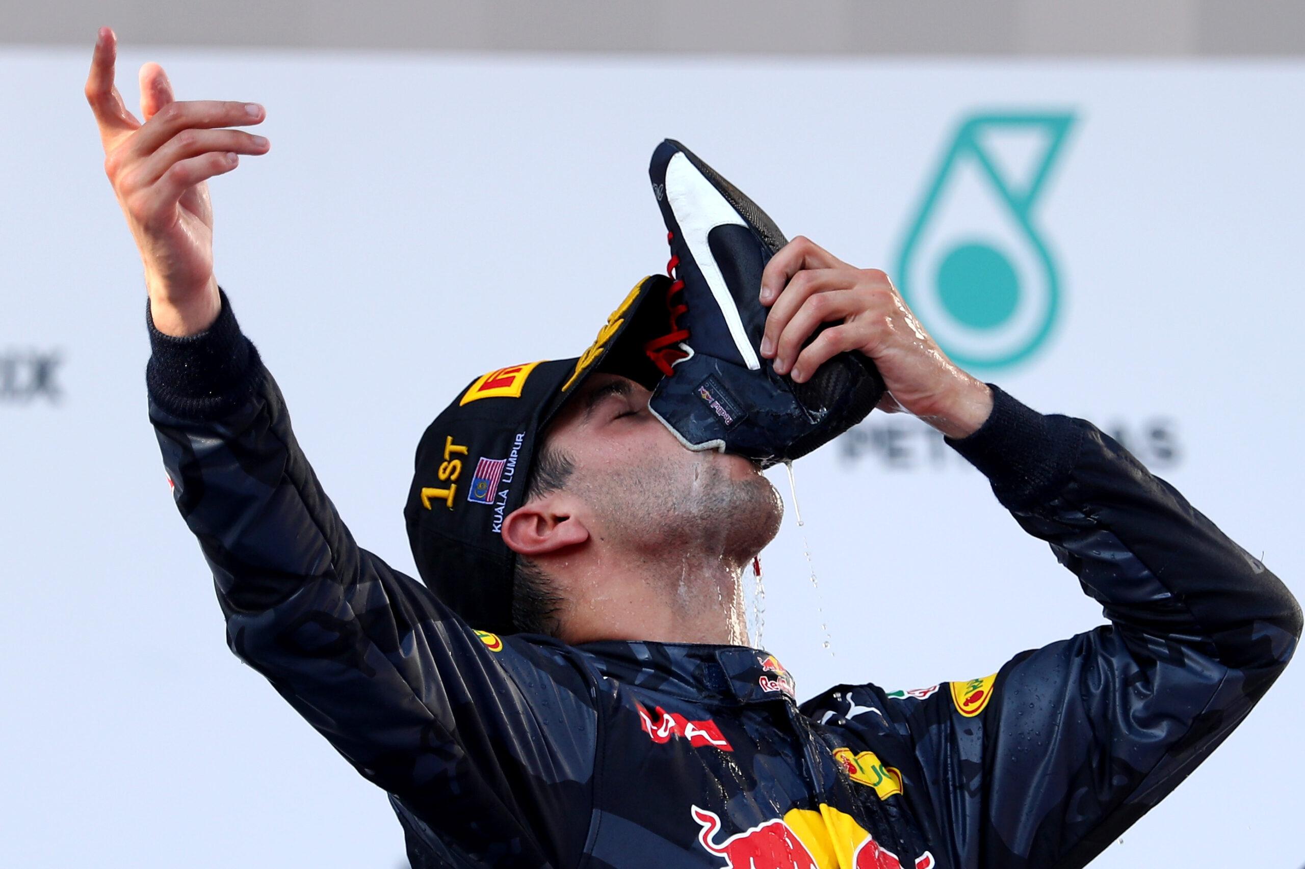 Shoey na podium GP Malezji 2016