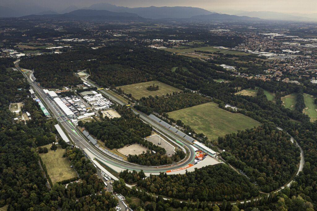 Nowy format na historycznym torze – zapowiedź Grand Prix Włoch