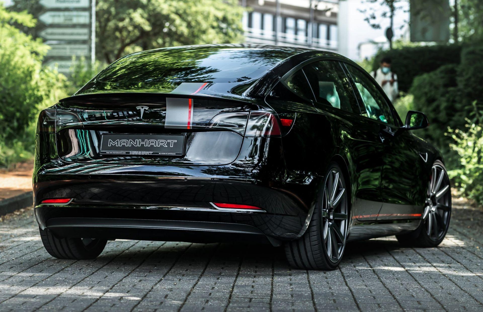 Tesla Model 3 Performance po tuningu Manharta - styl i dodatkowa moc